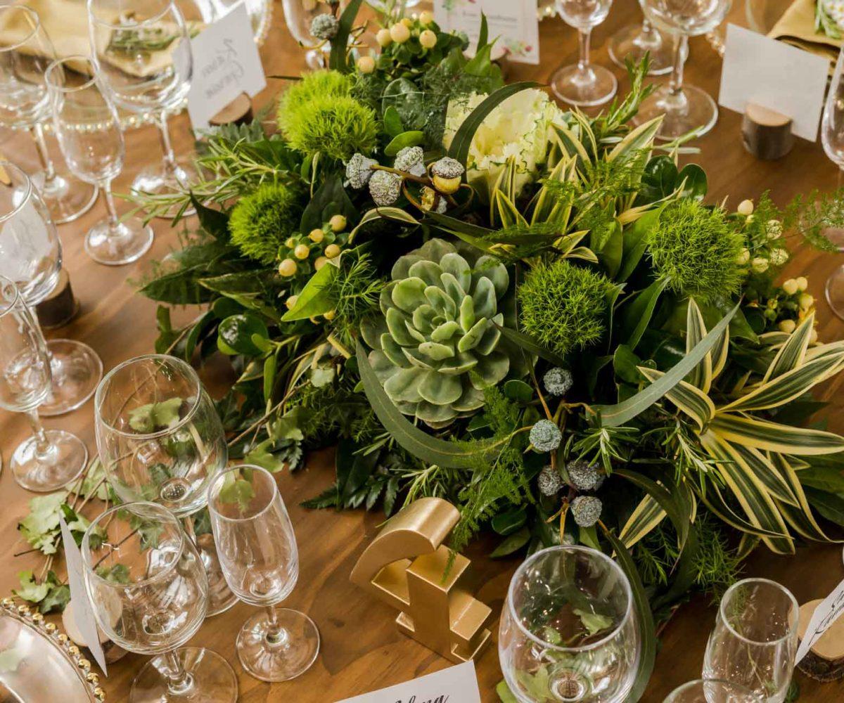 Usamos diversas flores en nuestras decoraciones