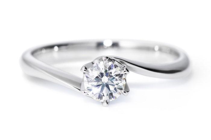 anillo-de-compromiso-con-diamante